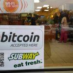 Por que para o comerciante a adoção do Bitcoin é melhor que usar cartões de débitos ou créditos?
