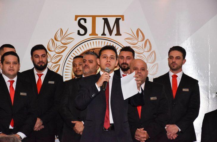 Saulo Roque, de apenas 22 anos é o dono da nova piramide financeira que acabou de cair! A empresa STM Empreendimentos usava bitcoins para fazer piramide financeira com a moeda virtual!