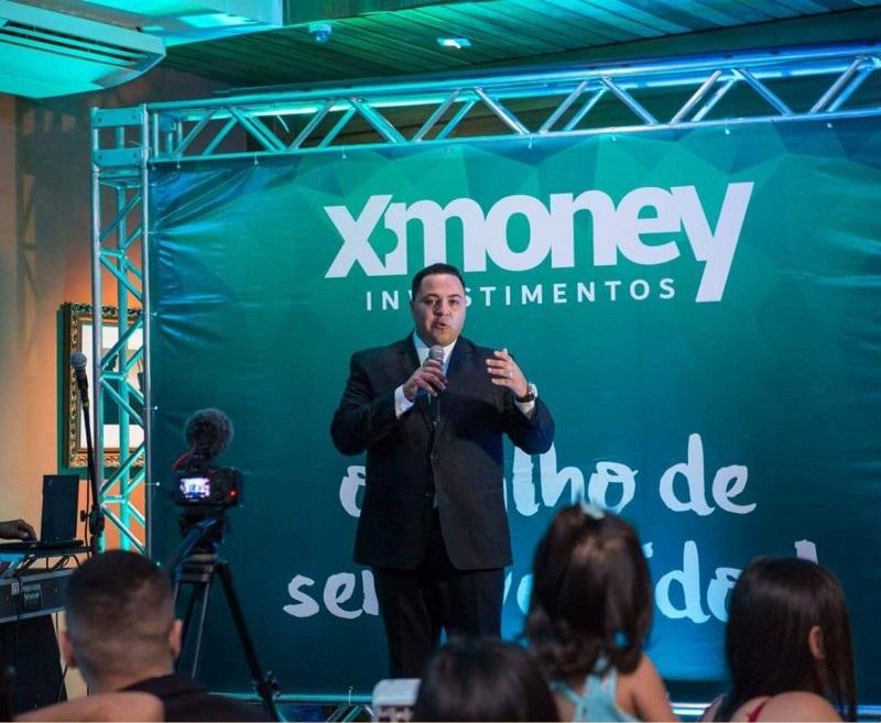 X-Money Brasil, promete lucro de 20% ao mês. É claro que se trada de mais um novo golpe envolvendo e MANCHANDO a moeda digital / foto medium.com