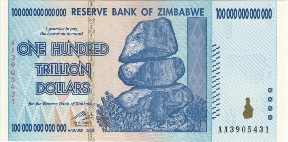 Nota de 100 trilhões de dólares zimbabuanos!